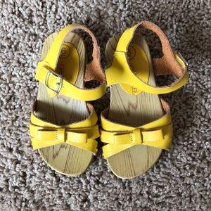 Other - Cherokee Sandals